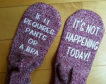 Funny socks - Socks with sayings - Pants or bra socks - No bra - Stocking stuffer - Gag gift - Socks - comfy socks - If you can read this