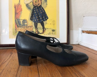 chunky 50s kitten heels