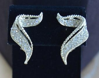 Pretty Vintage Modern Rhinestone Squiggle Clip Earrings, Gold tone (I4)
