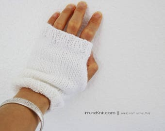 handknit fingerless gloves || super soft baby yarn || mattress stitch gloves || driving gloves || wrist cozy -nature white