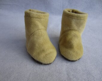 18 in doll boots, beige fleece boots. Handmade doll shoes, 18 inch doll shoes, 18 in doll footwear, beige doll shoes, fleece doll boots,