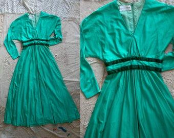 Vintage 1960's 1970's Robert Hyman Milwaukee Sea Foam Floor Length Gown, Long Sleeved, Holidays, Women's Dress