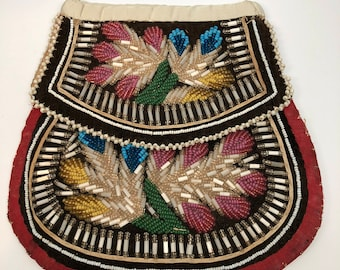 Native Beaded Velvet Purse, Victorian Era