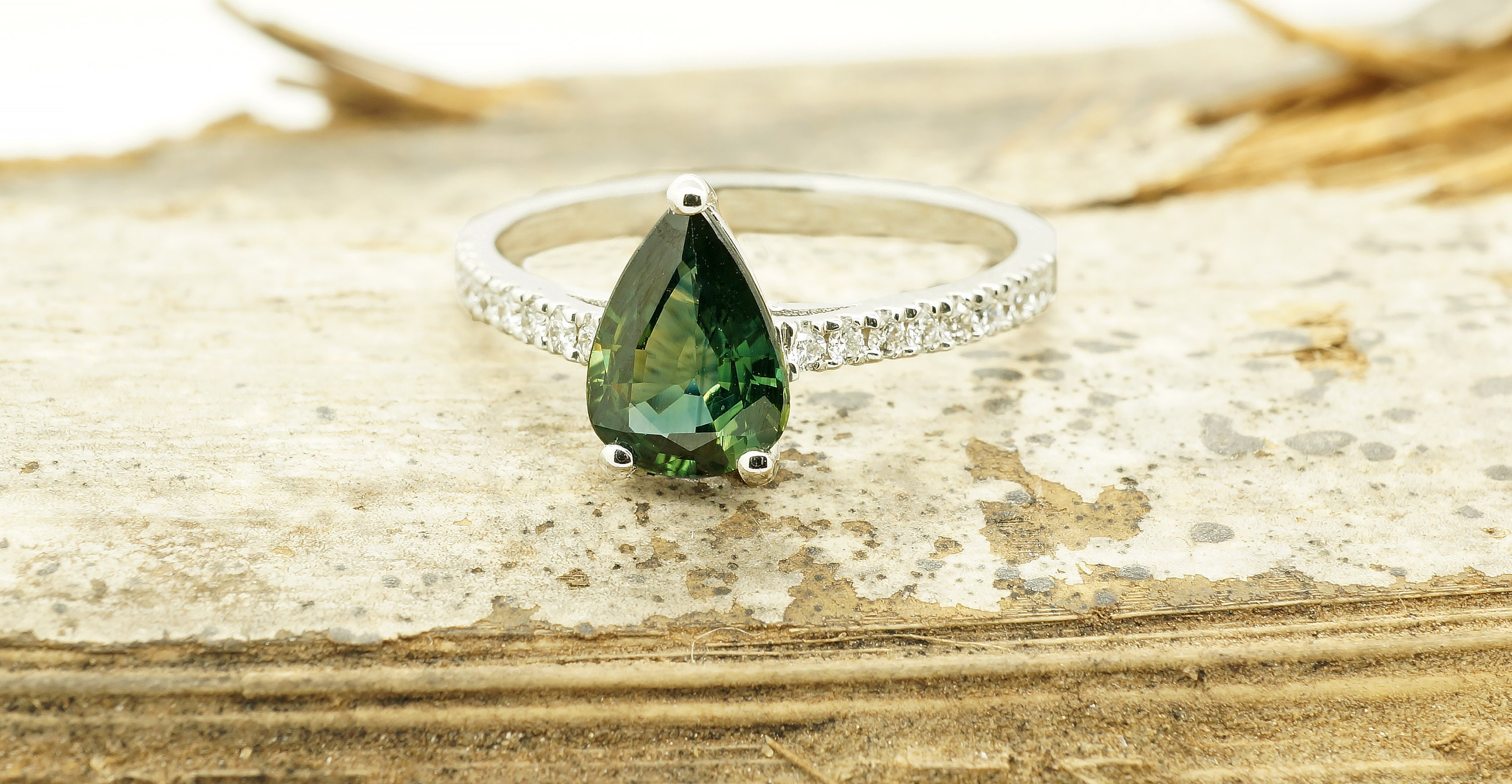 bliss minimalist lau gold green products greenyg ring sapphire