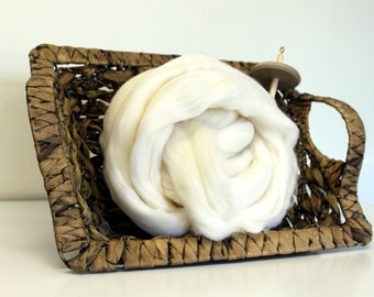 100g 3.5 oz - Fine Merino White Wool Combed Top Undyed 21m 70's for Felting or Spinning