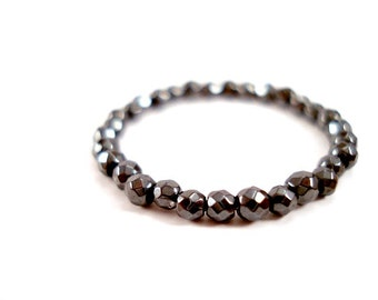 Faceted Hematite Ring, Dainty Black Dot Ring, Pure Thin Black Ring Band, Simple Black Gemstone Ring, Delicate Everyday Beaded Hematite Ring