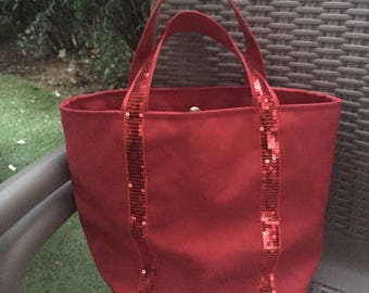 Red tote bag has bright red glitter