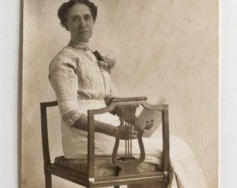 Original Antique Portrait Photograph   Minnie