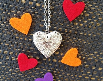 Love Heart Diffuser Locket Necklace