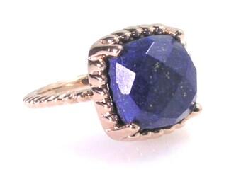 Lapis lazuli Ring .