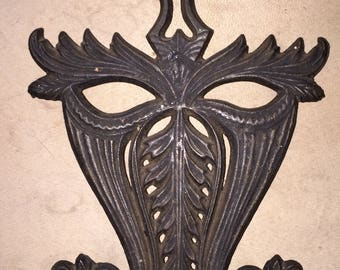 Antique Iron Trivet Vintage Cast Iron Doodler's Dream Hot Pot Stand Functional and Lovely