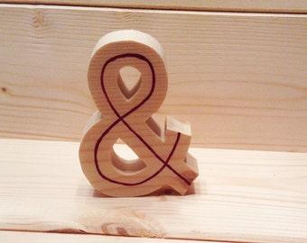 Freestanding Ampersand | & symbol