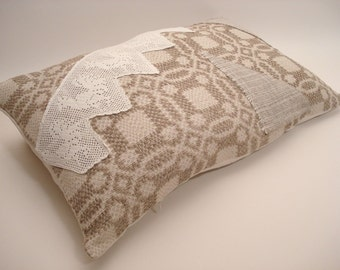Grain Sack Pillow Cover/ Rustic Cottage Pillow / Vintage Lace / Rustic Farmhouse Style