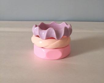 PASTEL BANGLE bracelets | set of three plastic chunky bracelets | 1980s pastel bangles