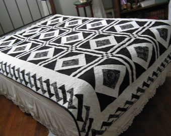 Twin bed quilt/black and white quilt/cotton quilt/long throw/college bed cover/dorm froom bedding
