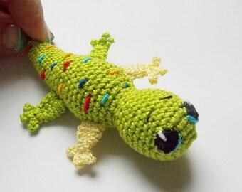 Miniature lizard little gekko crochet lizard green gekko lizard tiny amigurumi woodland funny gift