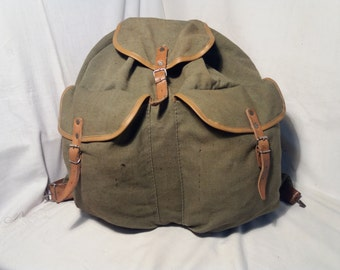 Vintage 1980's Military Green Canvas Backpack