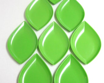 Precidio Leaf Green Plates Set of 8 Melamine Dishes : precidio dinnerware - pezcame.com