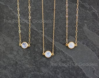 Gold Moonstone Necklace / Rainbow Moonstone Necklace / Gold Moonstone Jewelry / Gold Moonstone Pendant
