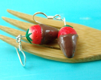 Strawberry Earrings // READY TO SHIP // Chocolate Covered Strawberry Jewelry // Berry Fruit Earrings