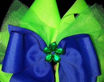 Hair bows, any color, any size, made to order! don't see what you want, just message me and I can work with you!