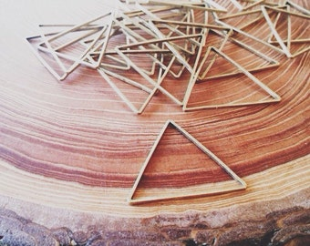 brass triangle link - brass finding 24mm - 25 pieces - destash