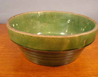 Reduced....NICE vintage green pottery baking dish