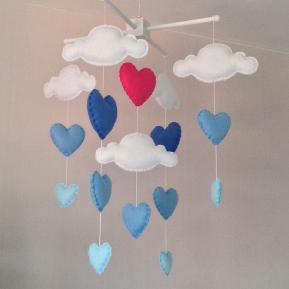 baby mobile kinderbett mobile wolken und herz mobile. Black Bedroom Furniture Sets. Home Design Ideas