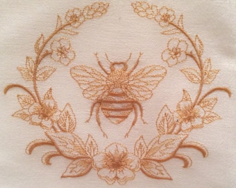 Embroidered Dish Towel 'QUEEN'