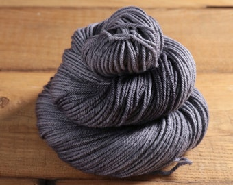 Worsted Weight Merino Yarn - Smokin - Cuddlesome