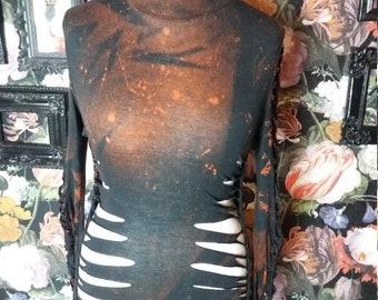 Rollkragen pulli longsleeve cutouts schwarz rot orange braun feuer batik
