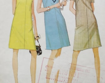 McCalls 9071  Vintage 1960s Yoked Dress, French Darts, Sewing Pattern, Bust 32.5