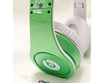Swarovski Crystallized Customize Logo on Beats By Dre Headphones (Beats not included)