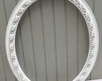 Vintage 16x20 White Oval Frame, Ornate White Oval Picture Frame, Oval Frame With Mirror, White Oval Wedding Frame, Cottage Shabby Chic Frame