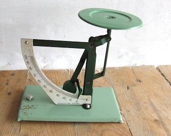Vintage pendulum Scales//Small postal Scales