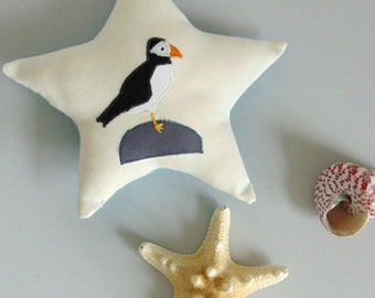 Puffin hanging decoration - Puffin  - Home decoration - By the sea - Coastal home - Seaside - Inspired by nature - Birds - Hanging star