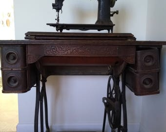 Antique Wheeler U0026 Wilson Sewing Machine And Table