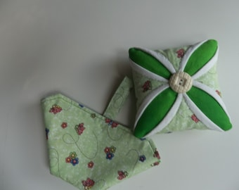 Vintage Style Pincushion , Needle and Thread Case Set, Seamstess Gift, Sewing Room Decor, Sewing Tool