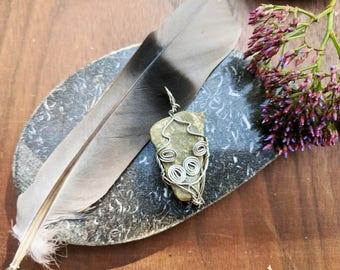 Wrapped River Stone Necklace: River Stone gemstone pendant necklace // bohemian // boho chic
