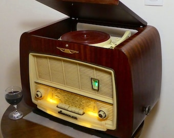 Record Player w/bluetooth speaker system 1955 Sonneclair model HD 6 LUX with FM radio and Aux inputs. 100watts