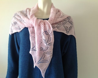 Cashmere shawl handknitted in a beautiful lace pattern