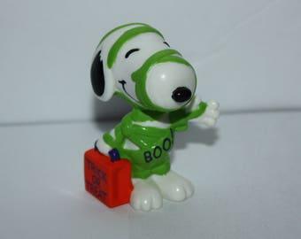 """Vintage Peanuts Snoopy Mummy Halloween 3"""" Figure"""