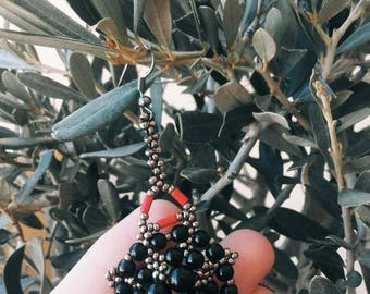 Amulet earrings in onyx, glass and coral. Inspired by traditional Sardinian amulet