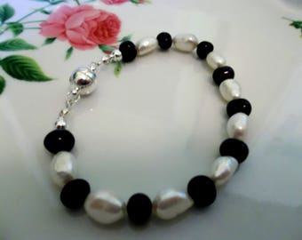 Black and White Freshwater Pearl Bracelet with easy close Magnetic Catch. Perfect for Valentines Day.