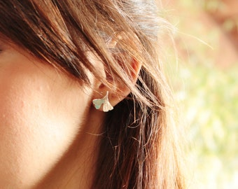 Small leaves of ginkgo biloba in sterling silver - stud earrings - made in Italy - calcagnini jewelry