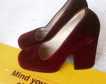 90s Maroon Coloured Velvet Heels