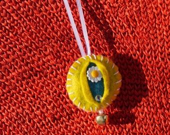 Vagina Ornament Little Miss Daisy - iFelt Vaginas Goddess Small Ornament