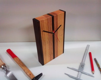 Table clock design made of solid wood - Unique Piece - H 25 cm
