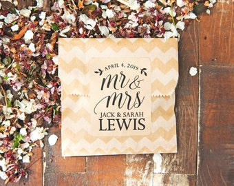 Mr and Mrs Personalized Stickers - DIY Wedding Toss Packet, Favor, Bridal Shower, guest gift - 15 kraft labels
