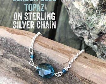 Ovale London Blue Topas Halskette, London blauen Edelsteinperlen und Sterling Silber